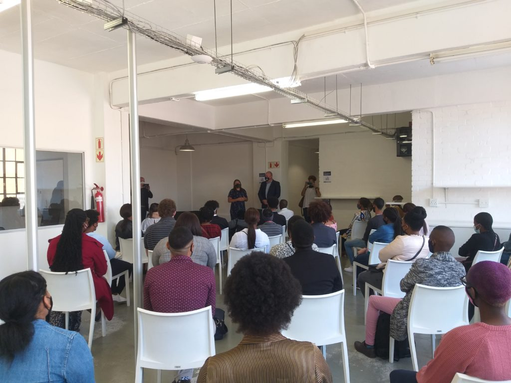 Alderman Vos visits CapaCiTi Campus to meet new youth ICT cohort 3